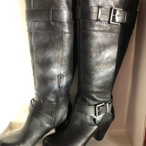 Arturo Chiang Cris-cross Double Buckles Boots